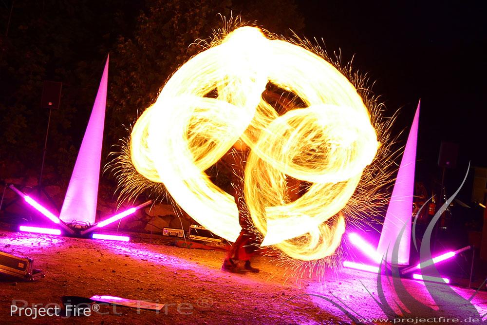 IMG_7798 - LED Show Leuchshow Lichtjonglage Glauchau Meerane