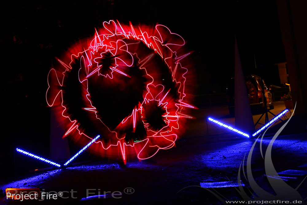 IMG_7892 - LED Show Leuchshow Lichtjonglage Glauchau Meerane