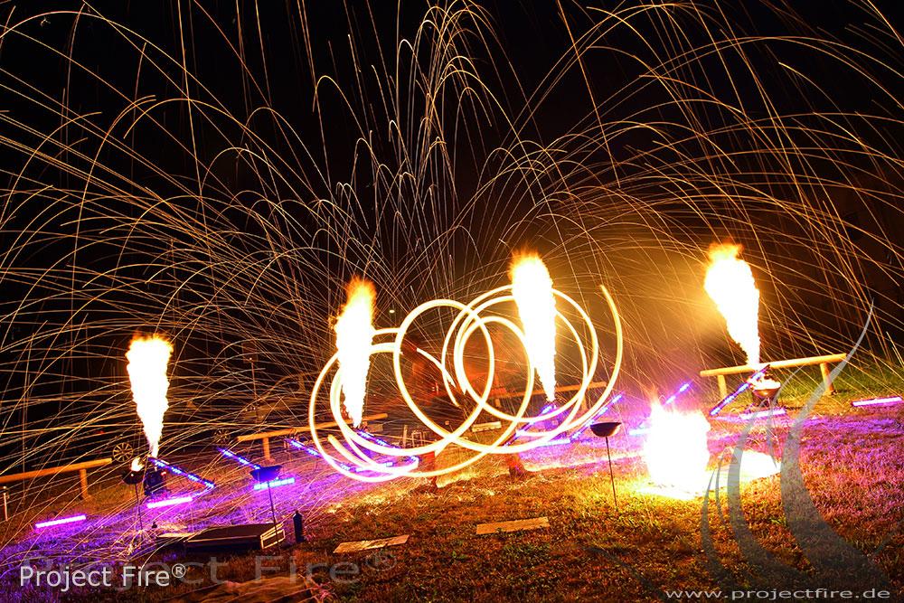 IMG_6615 - Feuerwerk der anderen Art - Feuershow Hochzeit