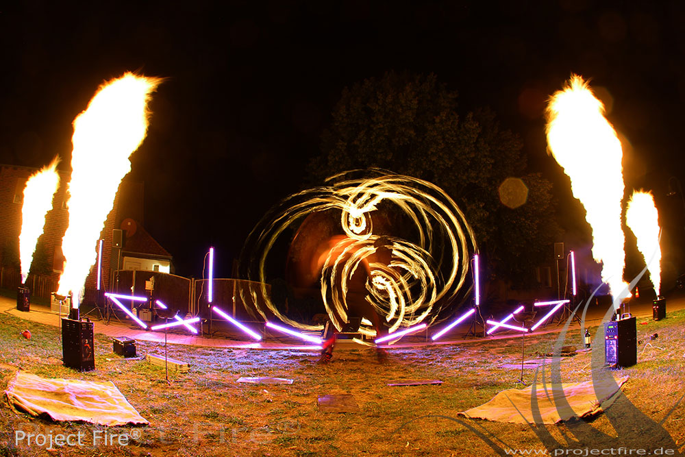 IMG_3142 - Feuershow Vereinsfest Gala Berlin Premnitz
