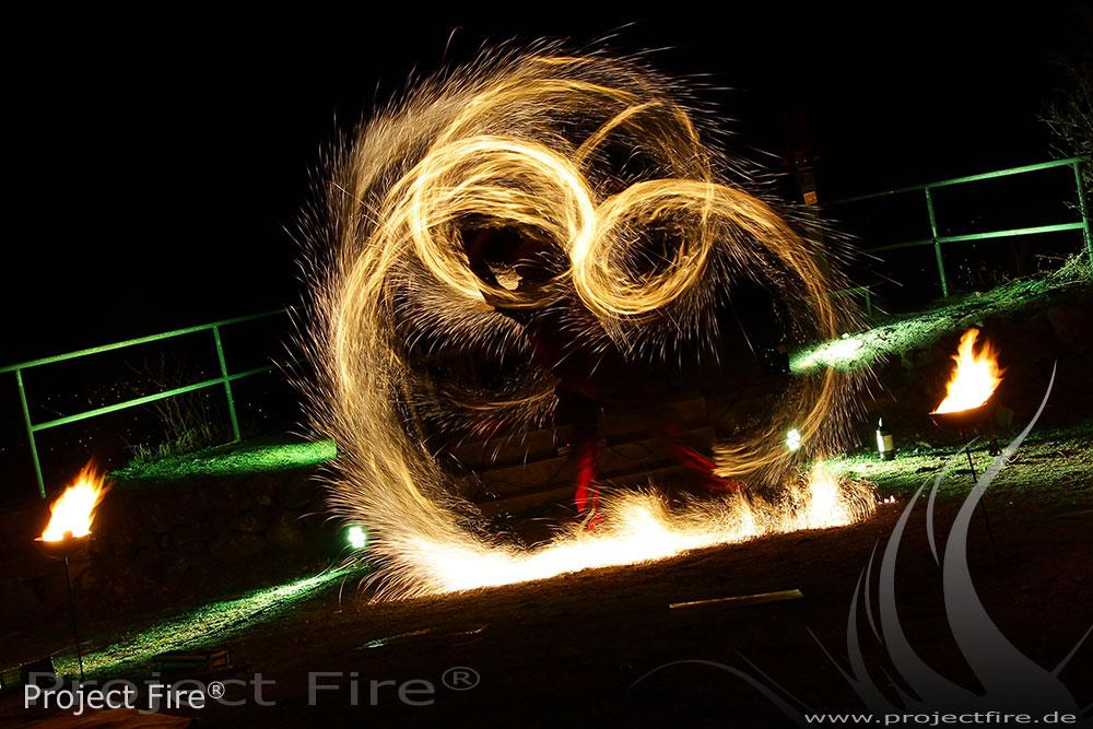 IMG_8163 -Feuershow Berghotel Pöhlberg Feuerjonglage Lichtshow