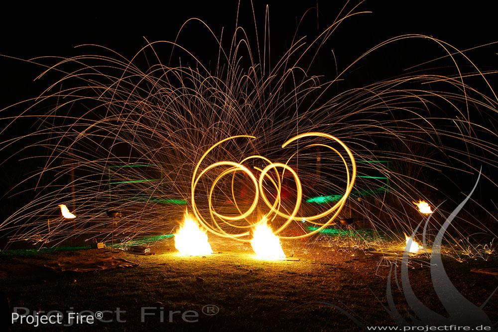 IMG_8195 - Feuershow Berghotel Pöhlberg Feuerjonglage Lichtshow