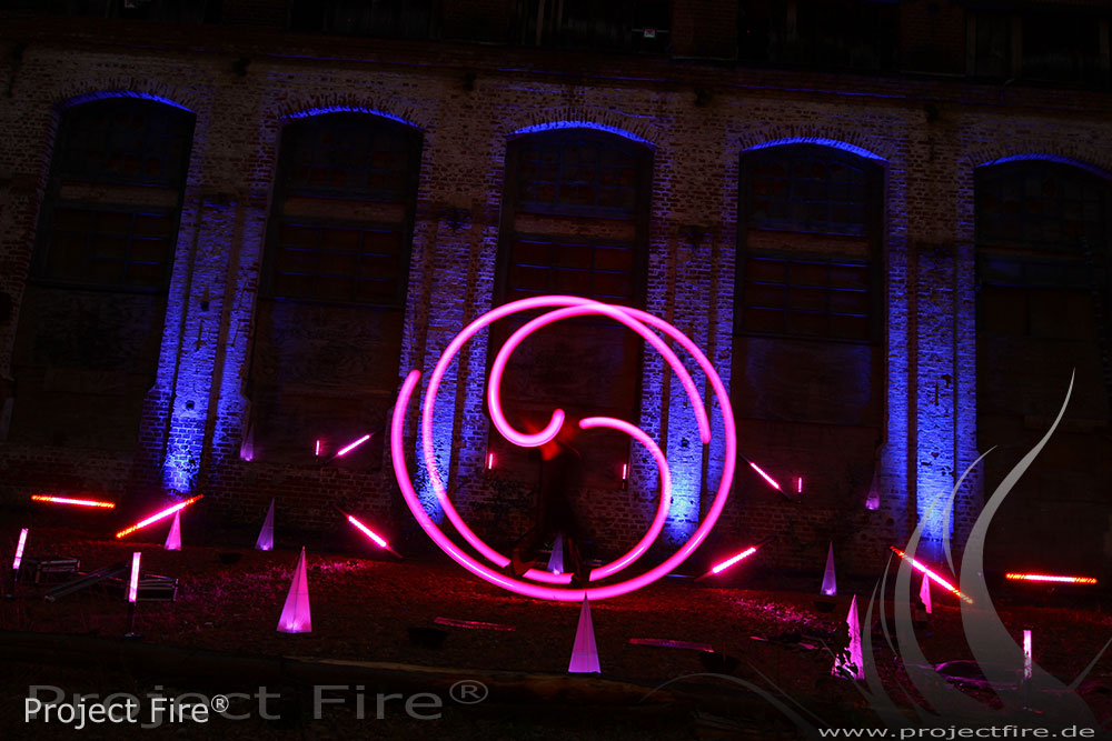 IMG_2998 Feuershow Dresden Lichtshow