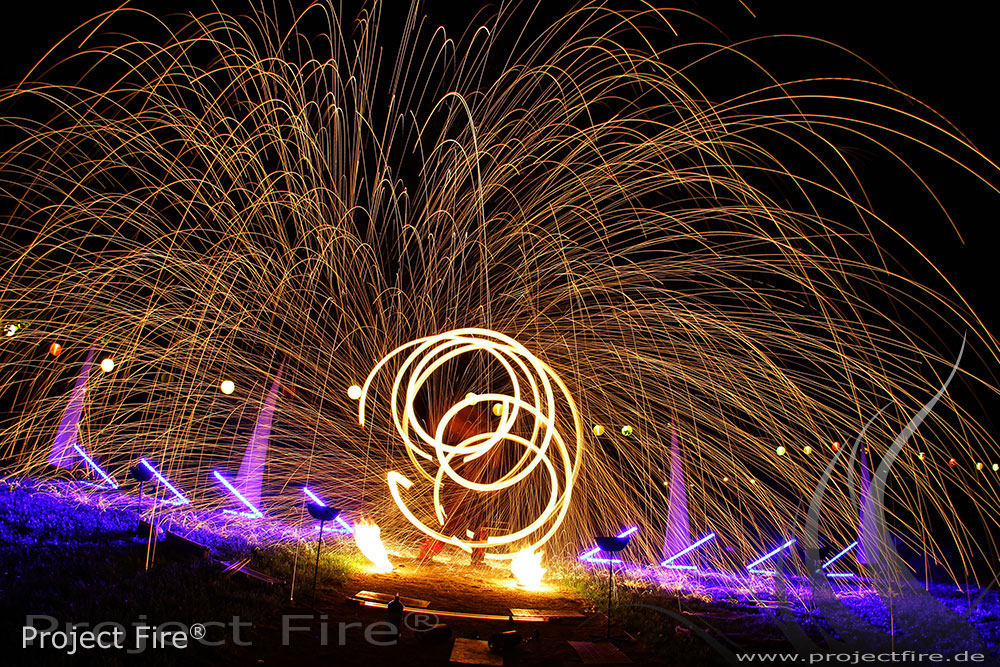 IMG_3875 - Funkenregen Feuerpoi Show